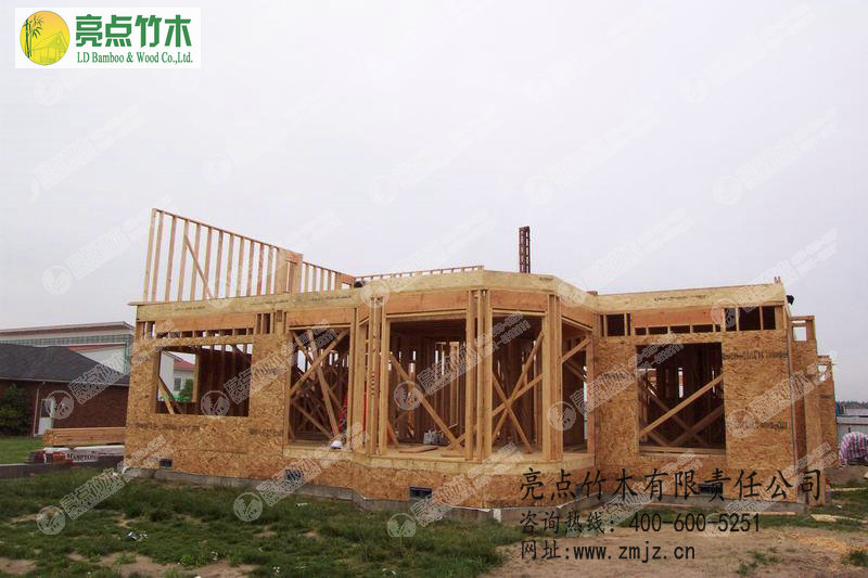吸收国内外新型木屋建造工艺
